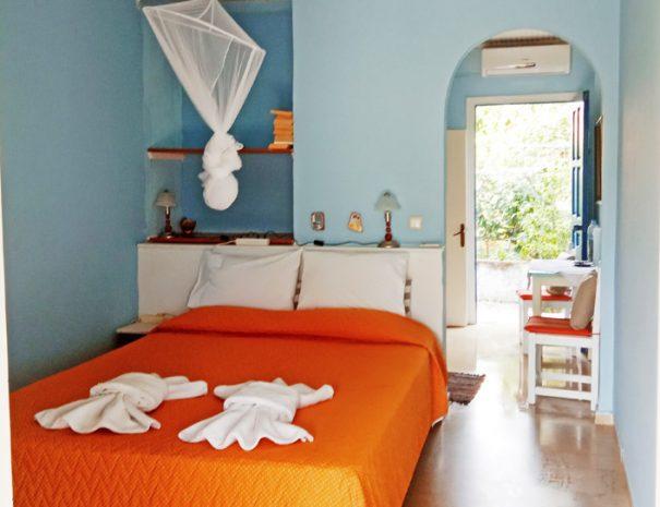Corfu rental apartment bedroom